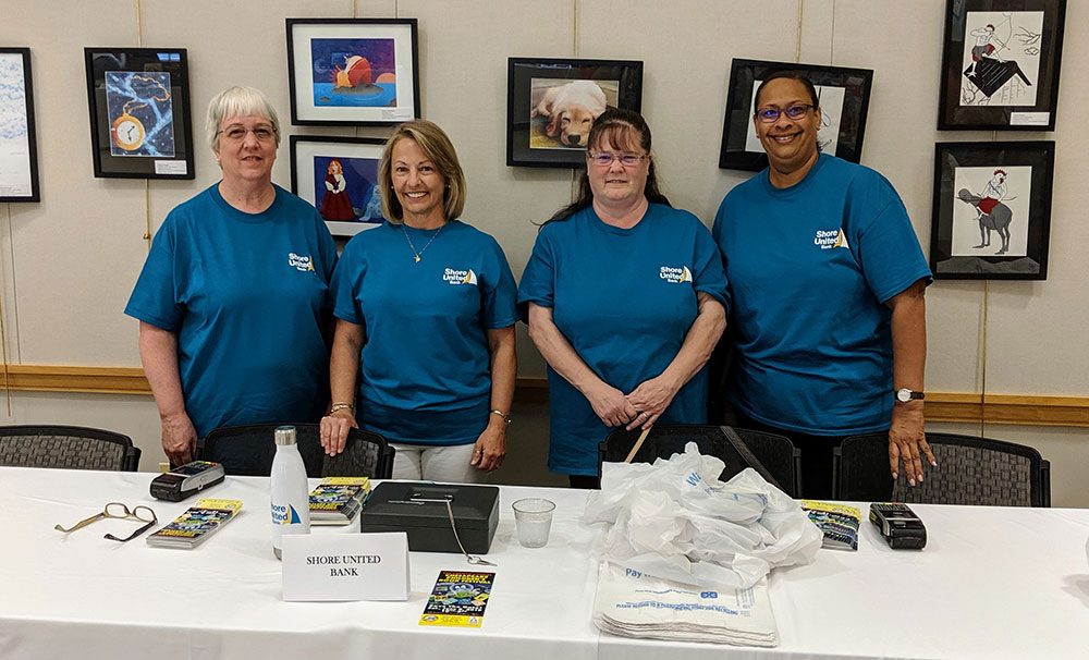 The volunteers from Shore United Bank.